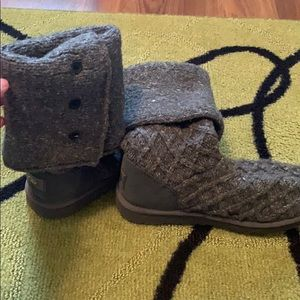 grey button sweater uggs